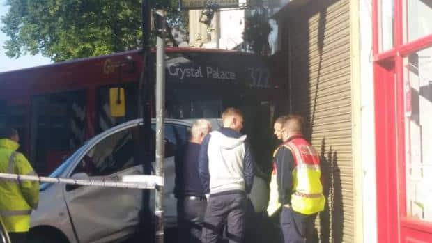 he 322 bus crashed at around 6.30am this morning (Photo: Mayan Kurdi)