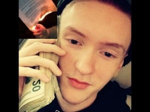 """Slim Jesus Burns Record Label Contract and says """"F*ck a Label, We get Indy Money"""""""