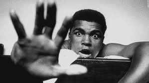 "Muhammed Ali on life support, Doctors tell family ""the end is near"" for boxing legend"