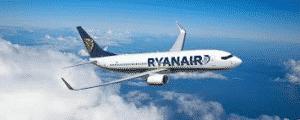 SHOCKING FOOTAGE: Man chases Plane down runway!