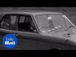 Ahead of the times: Driverless cars on the road back in 1971 – Daily Mail