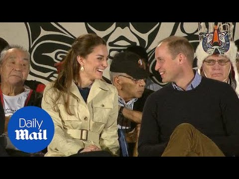 Duchess Kate in safari jacket visiting settlement in Canada – Daily Mail