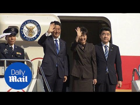Japanese Prime Minister Shinzo Abe meets with Donald Trump – Daily Mail
