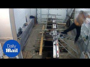 OUCH! That hurts: Guy takes a tumble off an unstable ladder – Daily Mail