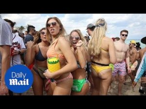 Thousands of students party in Fort Lauderdale for Spring Break – Daily Mail