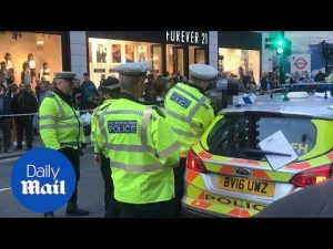 Woman dies after being hit by a cyclist on Oxford Street – Daily Mail