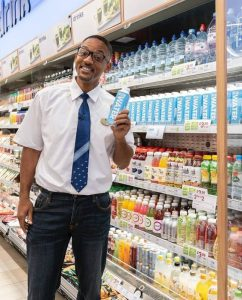 Will Smith swaps acting for retail as he doles out meal deals in Boots #JustWater