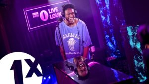 """Lucky Daye """"Karma"""" and Summer Walker cover """"Come Thru"""" in the BBC 1xtra Live Lounge"""